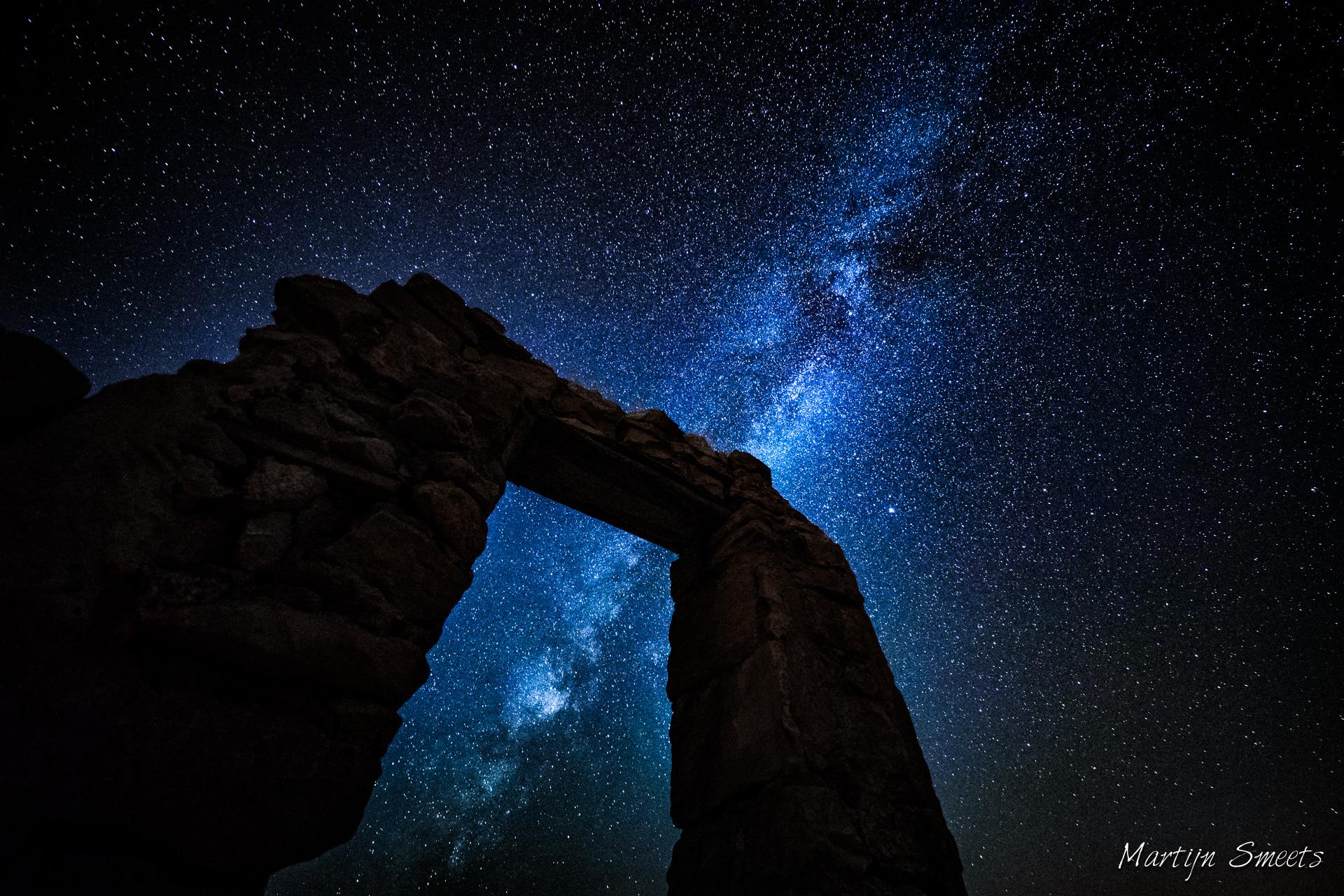 Nachtfotografie: de Melkweg boven Dana, Jordanië