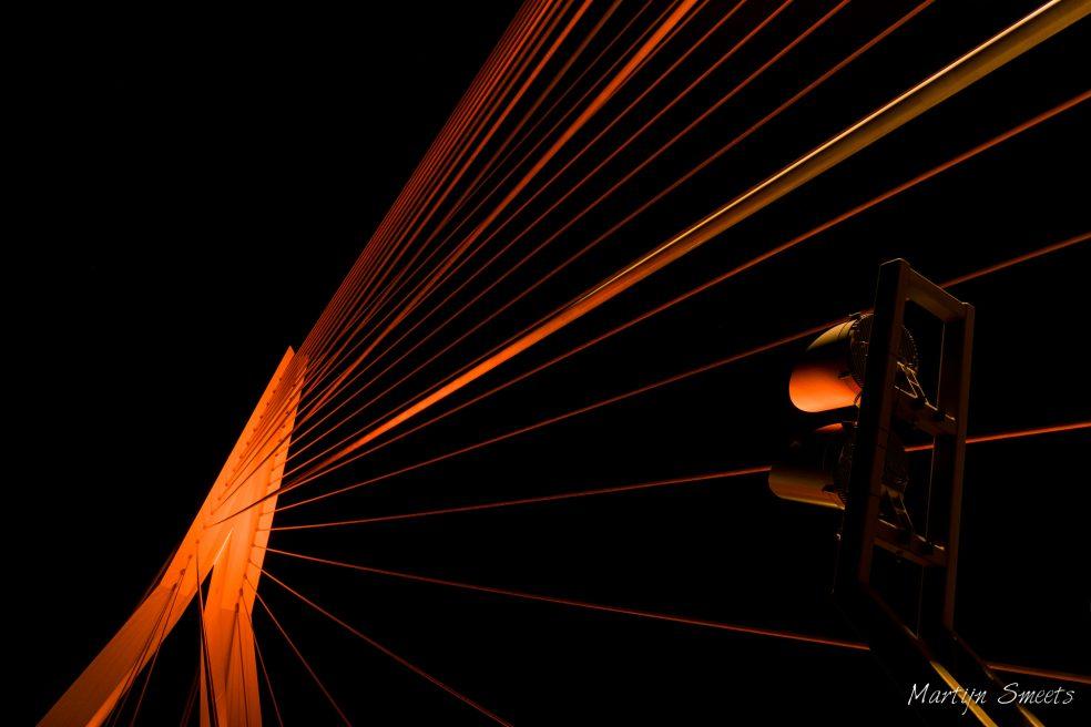 Erasmusbrug - Oranje verlicht op Koningsdag