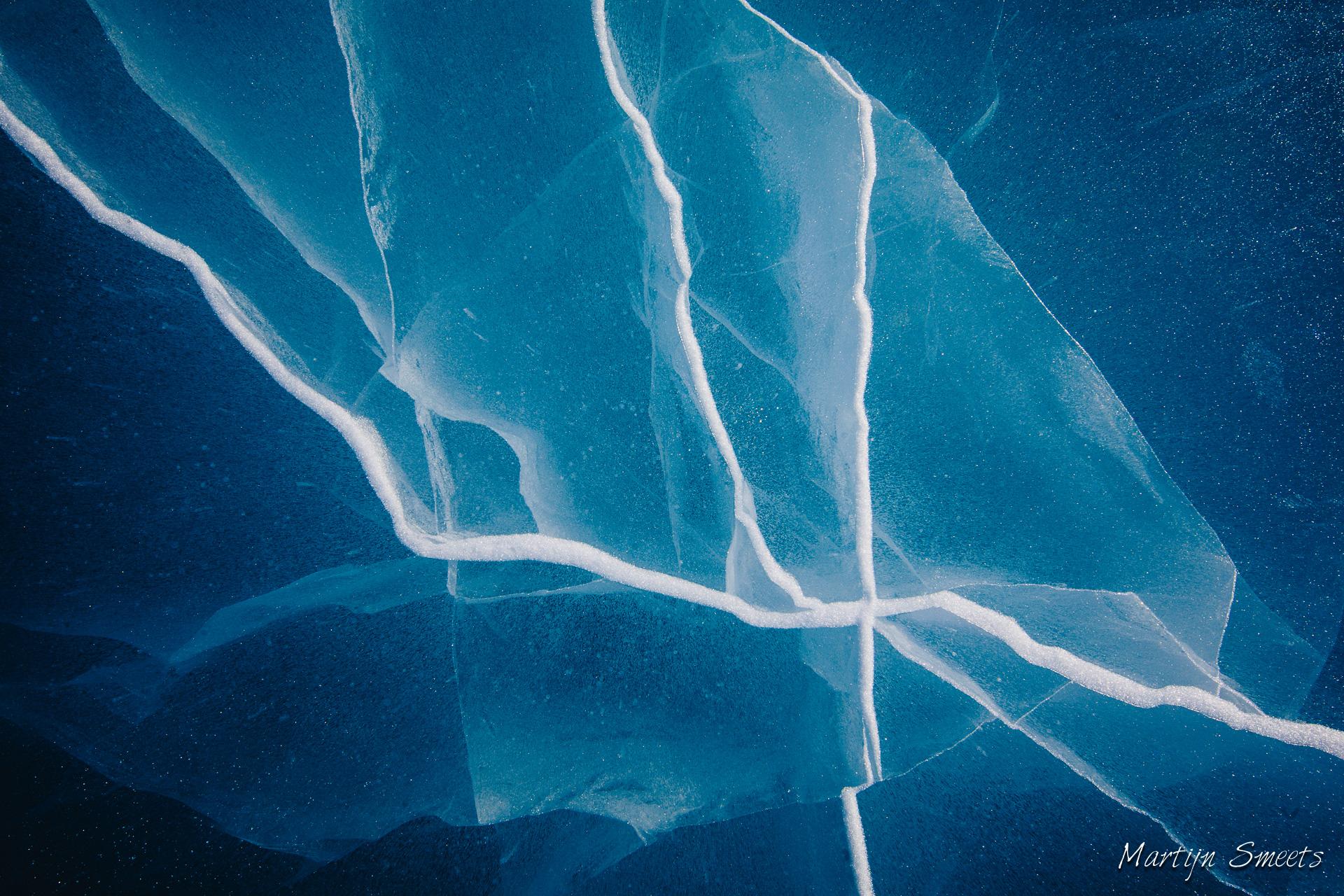 Patronen in het ijs op Poolepynten, Spitsbergen